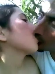 سكس عربى مصرى فرسه تقابل عشيقها الواد قلعها ورقدتله يحضنها وتبوسه وتتناك