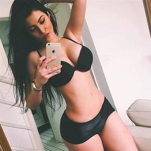 Claudia Alende selfie