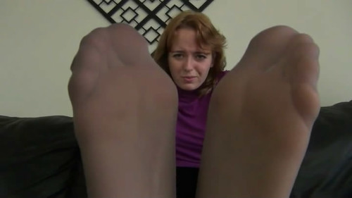 LIZZY'S PANTYHOSE FOOT HUMILIATION