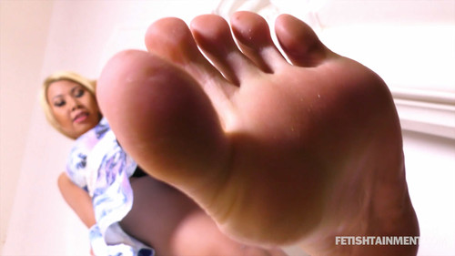 Vanny tramples your face under her bare soles - FULL HD WMV