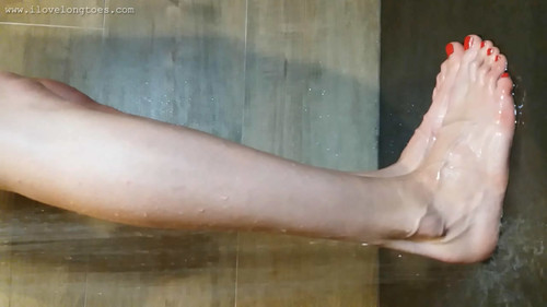 Wet big feet