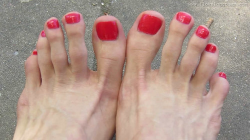 Grace's long toes