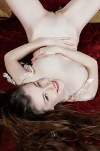 Emily Bloom - Aseri  e6rgh77hrt.jpg