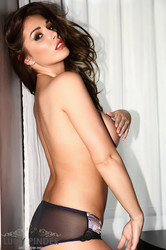 Lucy Pinder - Just Out Of The Shower q6skn21jkt.jpg