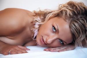 Christina - Revelare -o6r9h0d7ju.jpg
