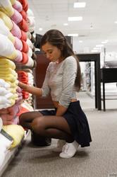 Gia-Paige-Fake-Shopping--26smii9dvi.jpg