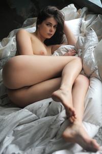 Amelie-Belain-Gitesa--66rlig96jq.jpg