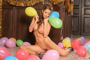 Lizzie Ryan - Happy New Year  t6rm58kcdq.jpg