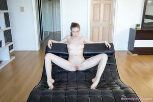 Emily-Bloom-Leather-Lounge--w6rp7jk6l4.jpg