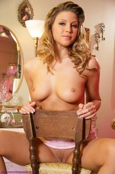Monica Sweetheart Babe Really Is Pretty In Pink  p6rp09ravj.jpg