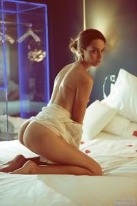 Lucie-Nude--m6rsfe91p1.jpg