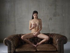 Grace - Erotic Exploration  r6rspgr2kq.jpg