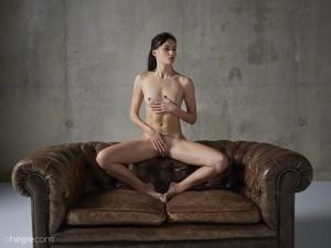 Grace - Erotic Exploration  76rspgpbxn.jpg