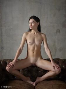 Grace - Erotic Exploration  o6rspgt5w0.jpg
