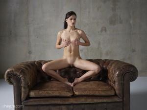 Grace - Erotic Exploration  66rspgmlqy.jpg