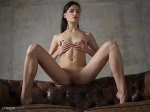 Grace - Erotic Exploration  u6rsphbzhv.jpg