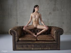Grace - Erotic Exploration  g6rspg1goi.jpg