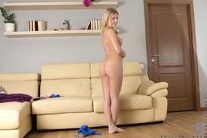 Brittany-Xxx-Perky-Blonde--q6ut19p0ld.jpg
