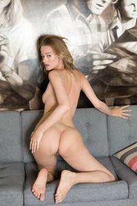 Olivia Preston – Enalde  46rtradlox.jpg