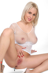 Mandy Dee - Sexual 26uvcohalk.jpg