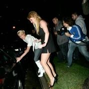 Britney Spears no panties - pussy upskirt (Classics)