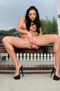 Audrey Bitoni - Luscious Legs r7bc9apsh1.jpg