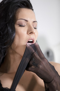 Cindy-Hope-Stockings-1--q6uqam0rva.jpg