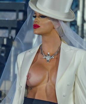 Gorgeous nude gigi Gigi gorgeous