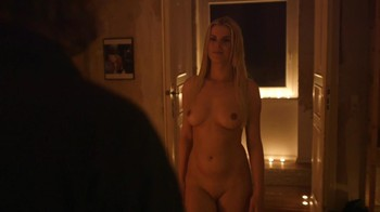 Naked Celebrities  - Scenes from Cinema - Mix - Page 4 Evlxgpbyjlga