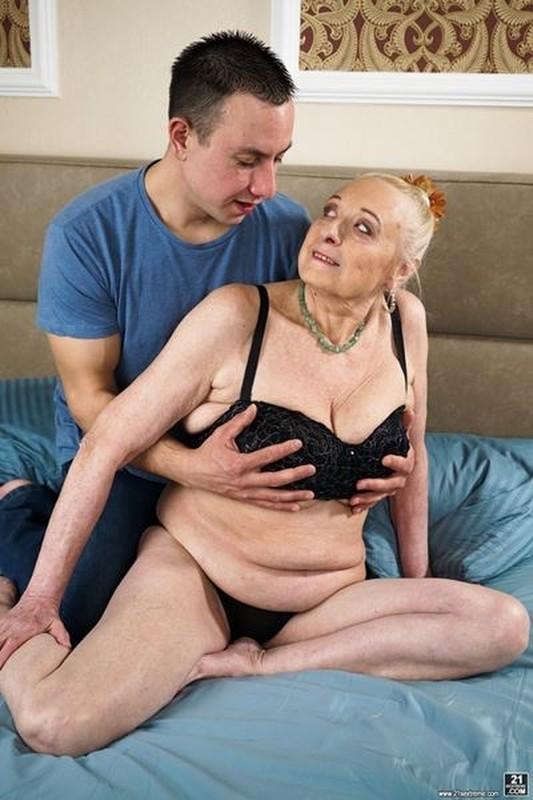 Sila, Rob - Look At Those Tits!