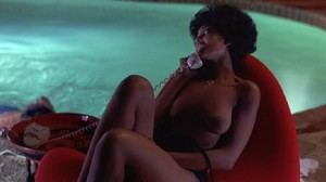 Pam Grier / Marilyn Joi / others / Hit Man / topless / (US 1972) 1th2u7wfgqns