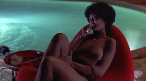 Pam Grier / Marilyn Joi / others / Hit Man / topless / (US 1972) 85ttg978h63d