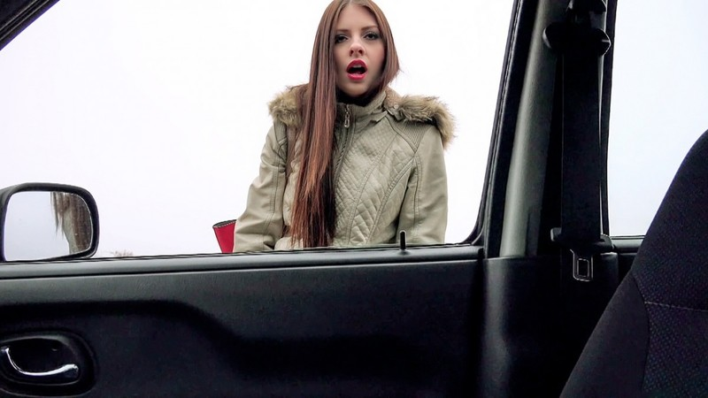 [StrandedTeens.com] Rebecca Volpetti - Hitchhiker Gives Blowjob In Car