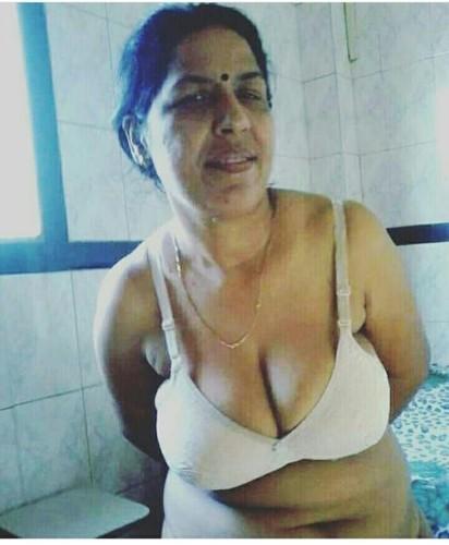 زوجات هنديات خائنات