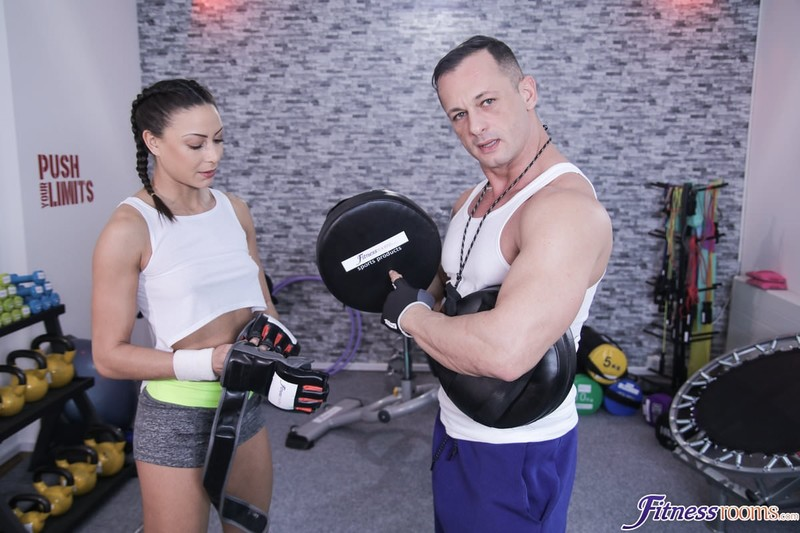 [FitnessRooms.com] Cassie Del Isla - French trainers intense sex workout