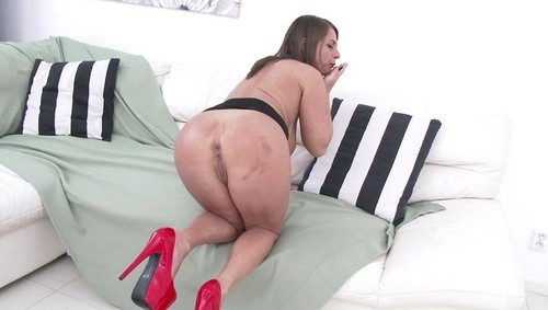 Sexy Susi back to Gonzo for DP and DAP with three monster cocks SZ1968  [SD]