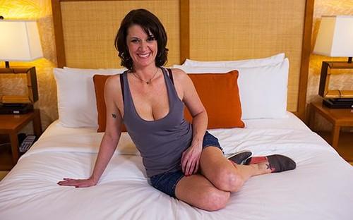 [MomPov] Valory - School Teacher MILF is a Closet Freak (365)[SD /27.01.2016 , Casting, Interview, Talking, Masturbation, POV, Oral, Ball Licking, Oil, Anal, Hardcore, MILF, Brte, Booty Shorts, Tattoo, Shaved Pussy, Cum On Face]