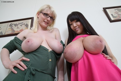 [Nadine-J.de] Hitomi Tanaka & Casey (aka Casey Deluxe) – Erotic Art Gallery (2015.07.30 [2015 , Big tits,Boobs,Blondes,Asian,Lesbian., 720p]