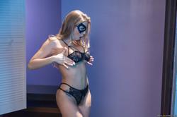 Britney-Amber-The-Mannequin-the-Security-305x-2495x1663-w6ttwojauh.jpg