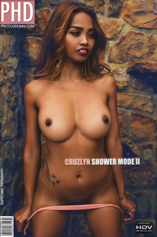 Cruzlyn - Shower Mode 2 - 46 pictures - 3000px (16 Jan, 2019)