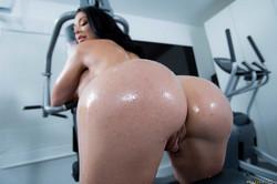 Brooke-Beretta-Workout-Sex-Club-239x-2495x1663-76ue4vfuwi.jpg