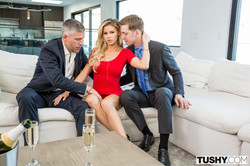 Jessa-Rhodes-Service-With-A-Smile-3000-px-75-pics-a6u1pn91at.jpg