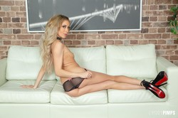 -Aiden-Ashley-Loves-Riding-Hard-Cock-LIVE-5760-px-152-pics-l6up3e5zx6.jpg