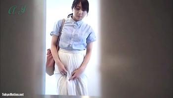 2tnf1m82ivfo - トイレに女の子をこっそりビデオ 1440