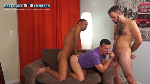 BeefCakeHunter - Happy Hour Threesome (Jacobo & Marcus)