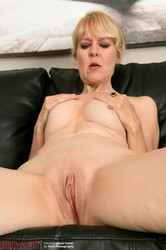 Jamie-Foster-Mature-Housewives-181-pics-3200x4800--r6utkj3iey.jpg