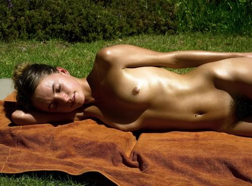 sun-aura-nudist-bbw-milf-porn-pics
