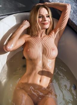 Margot Robbie naked in tub leaked photo UHQ